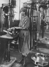 Industrial machine operator, 1919