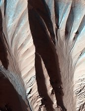 Gully formations on Mars