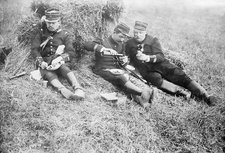 French soldiers at lunch, World War I