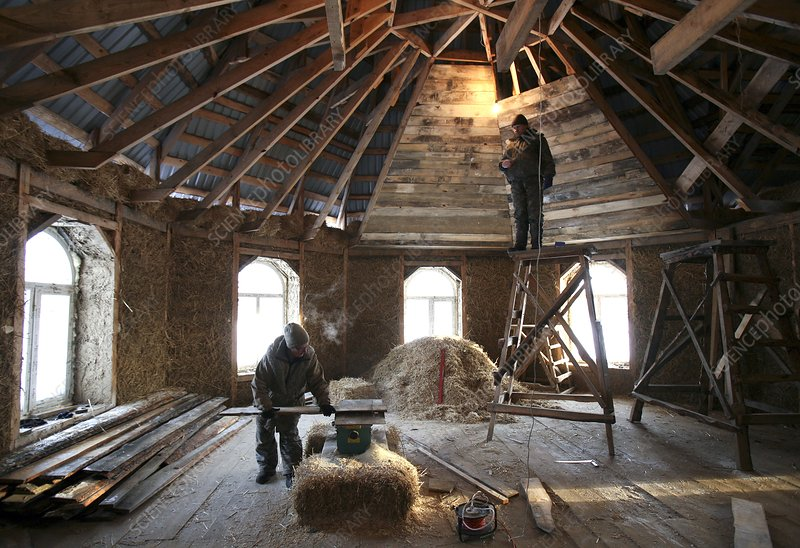 Building a straw insulated house