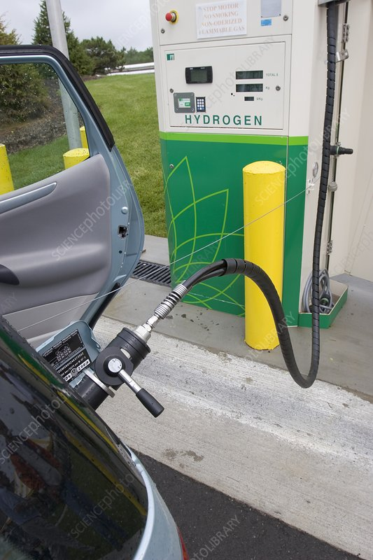 Refuelling hydrogen-powered vehicles