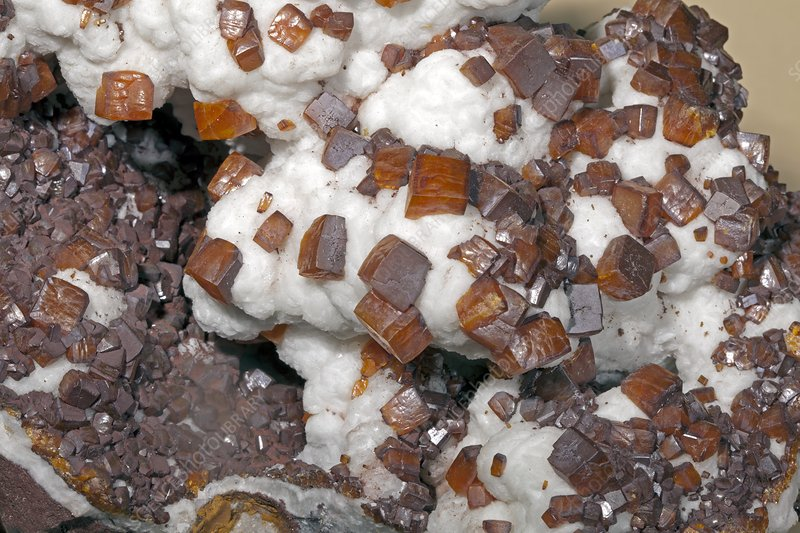 Wulfenite, close