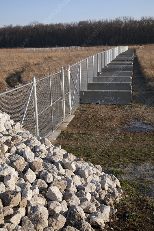 Fence blocking invasive fish species