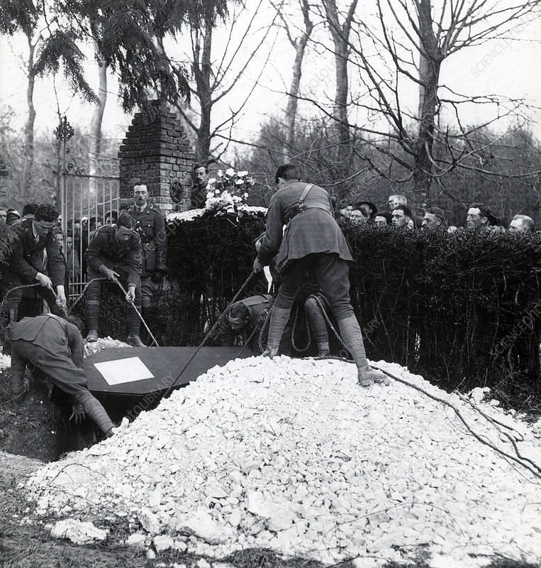 Burial of Manfred von Richthofen, 1918