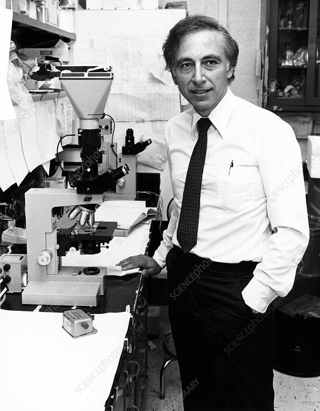 Dr. Robert Gallo, US virologist
