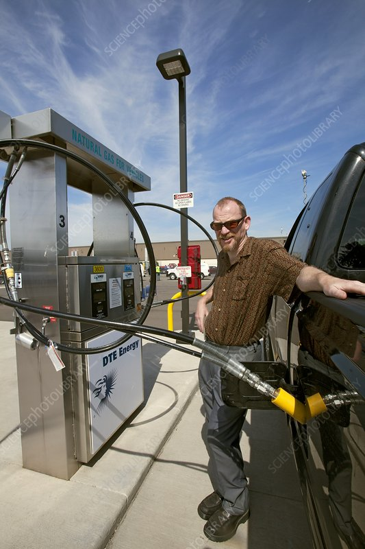 Refuelling a natural gas vehicle