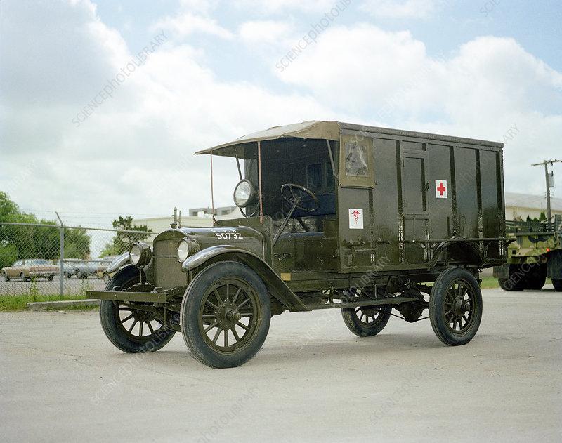World War I field ambulance, US Army
