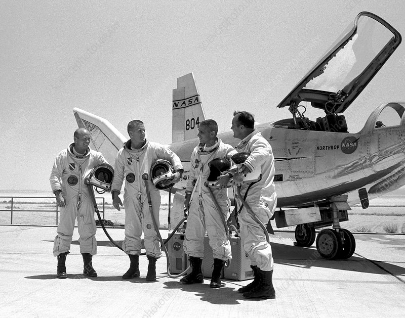 Test pilots and Northrop HL-10, 1969