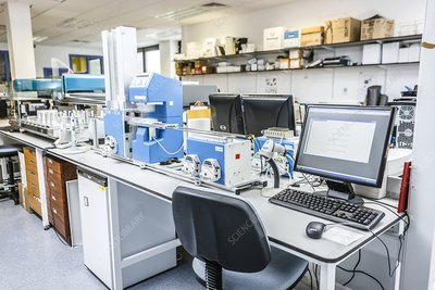High-throughput screening machine