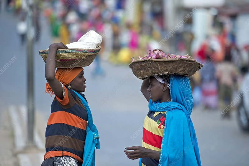 Two women traders conversing in Harar