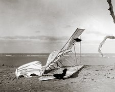Wrecked Wright brothers glider, 1900