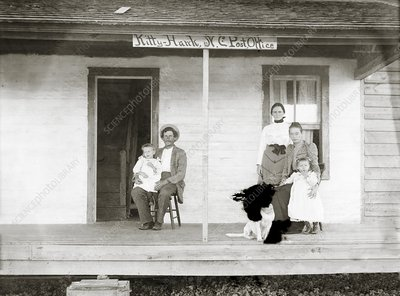 Tate family, Kitty Hawk Post Office, 1900