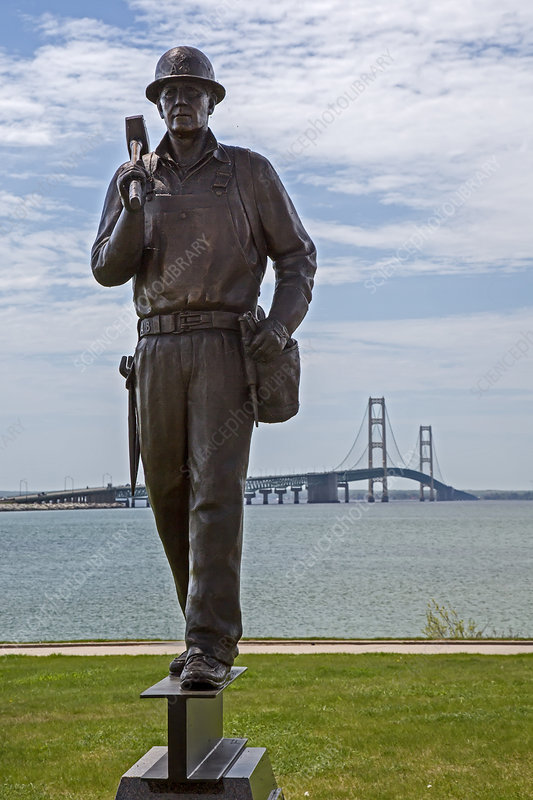 Memorial to bridge workers, USA