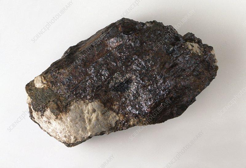 Rutile in rock groundmass