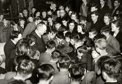 Royal Institution Christmas Lecture, 1944