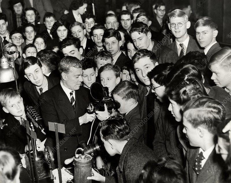 Royal Institution Christmas Lecture, 1946