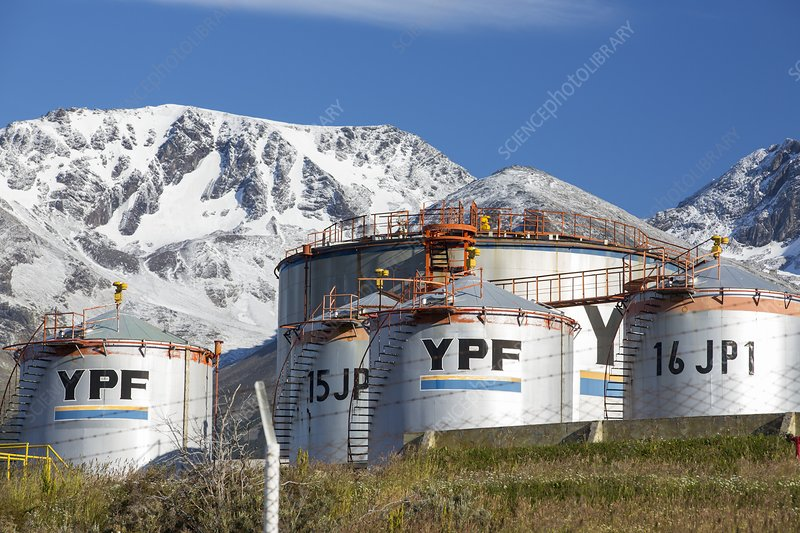 Oil tanks, Martial mountain range
