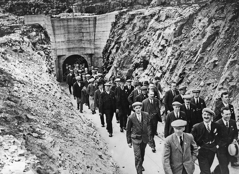 Mine safety research site visitors, 1930s