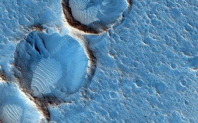 Craters on Mars, MRO image