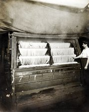 Dye house, dyeing and slubbing