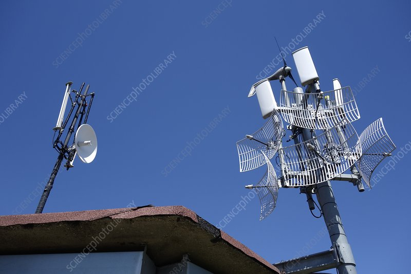 Long-range WiFi antennae