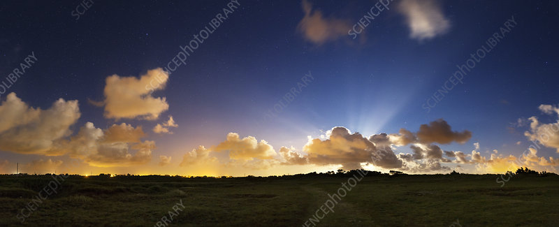 Crepuscular rays at moonrise