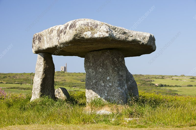 Lanyon Quoit near Penzance, Cornwall, UK