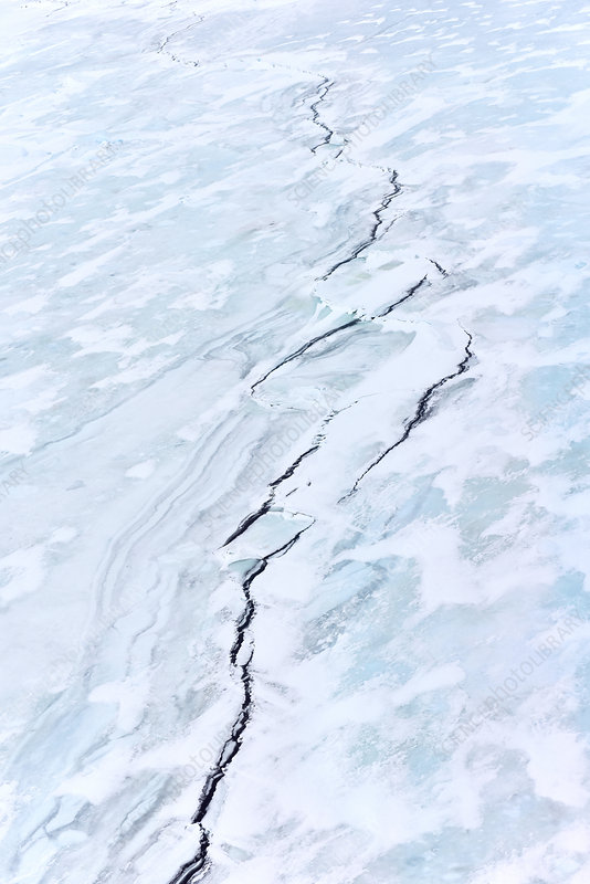 Antarctic sea ice fissures