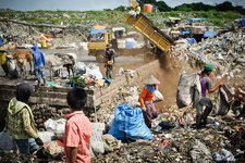Landfill scavenging, Indonesia