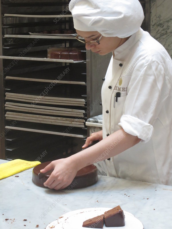 Cutting Sachertorte