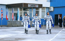 ISS Expedition 46 crew before launch