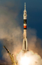 ISS Expedition 46 launching
