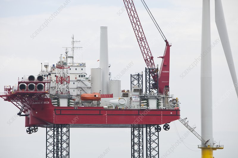 A jack up barge fitting wind turbines