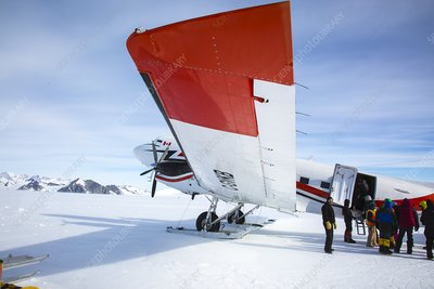 Loading an aircraft in Antarctica