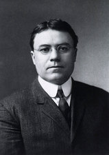 Walter Cannon, US physiologist