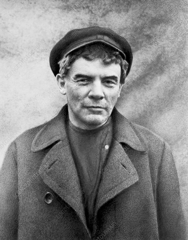 Vladimir Lenin in disguise, 1917