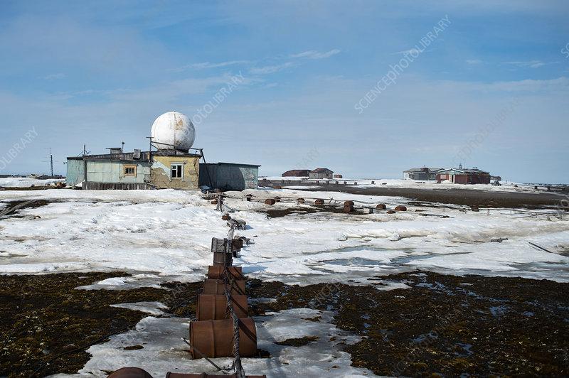 Polar station on Uyedineniya Island
