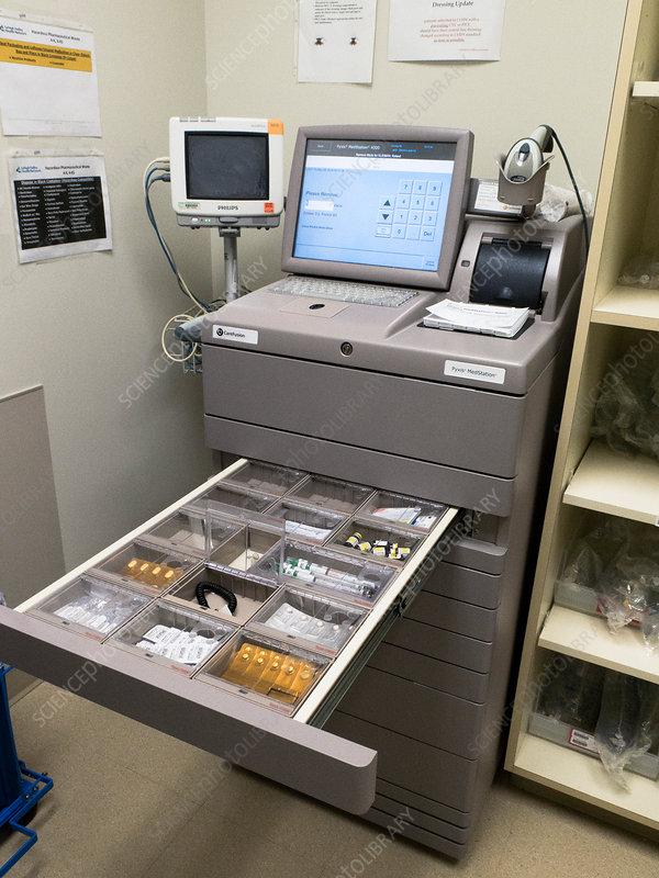 530_Medication-dispensing machine - Stock Image C029/8871 - Science Photo Library