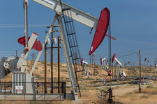 Kern River Oil Field, USA