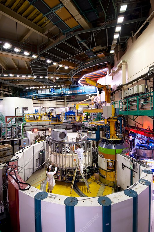 Neutron diffraction facility