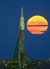 Supermoon and Soyuz rocket at Baikonur, 2016
