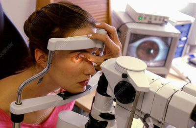 Ophthalmologist consultation