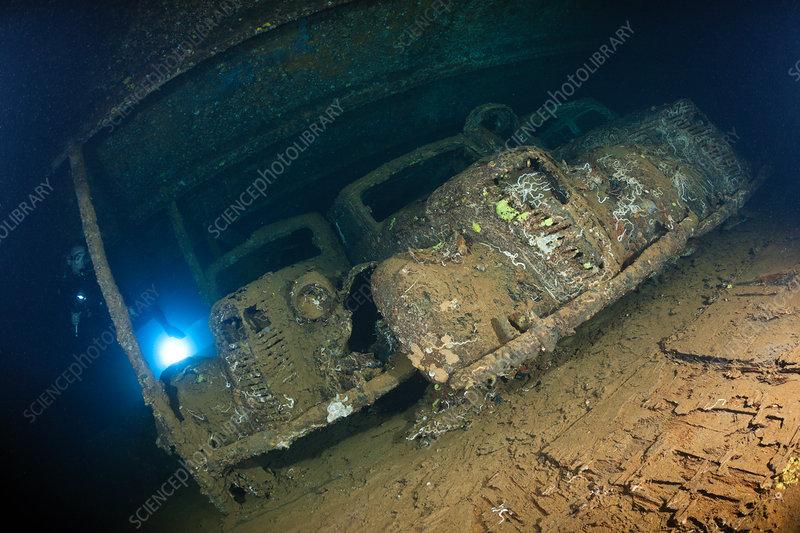 Fiat 1100 Lunga Cars inside Umbria Wreck