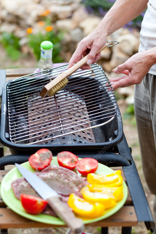 Barbecue grill cleaning