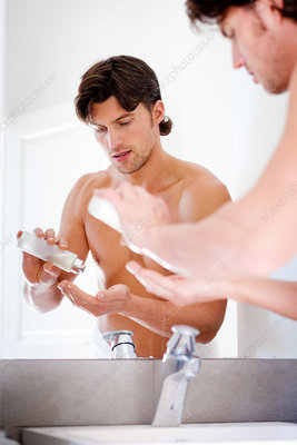 Man using aftershave