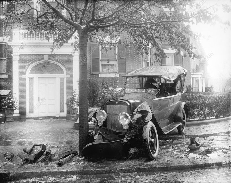 Car accident, USA, circa 1920