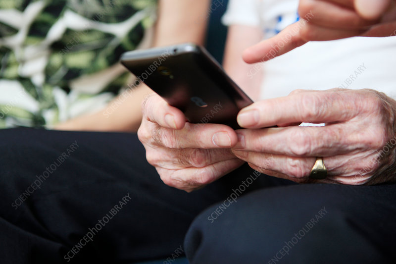 Smartphone use in dementia