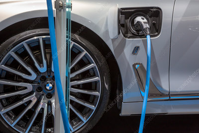 BMW plug-in hybrid vehicle charging