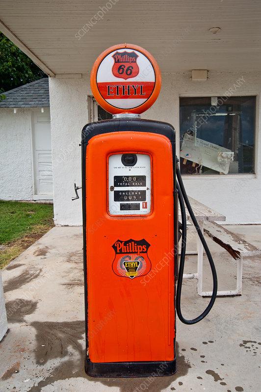 Antique Gas Pump, Route 66 - Stock Image - C036/2931