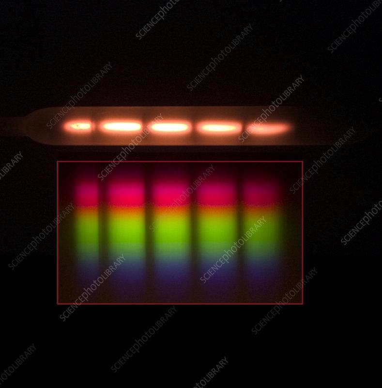 Diffraction Grating of Quartz Light